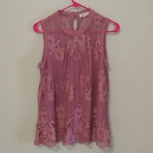 Pink lace top sz. L very flattering NWO T